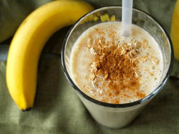 banana-smothie-so-ovesni-snegulki_3