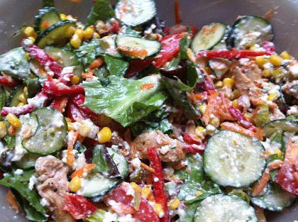 pileska-salata-so-preliv-od-sirenje